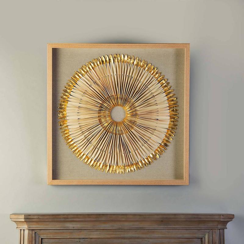 Cuadro con marco Aplique Circular Pluma Beige / Dorado