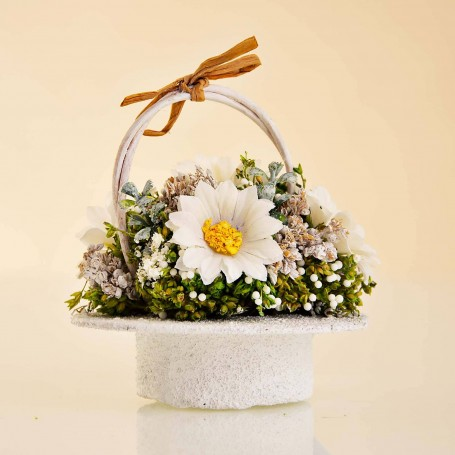Mini Arreglo Floral con canasta
