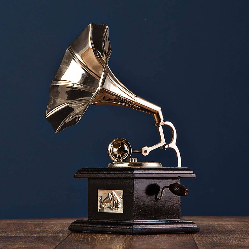 Adorno Gramófono con base Silver Haus