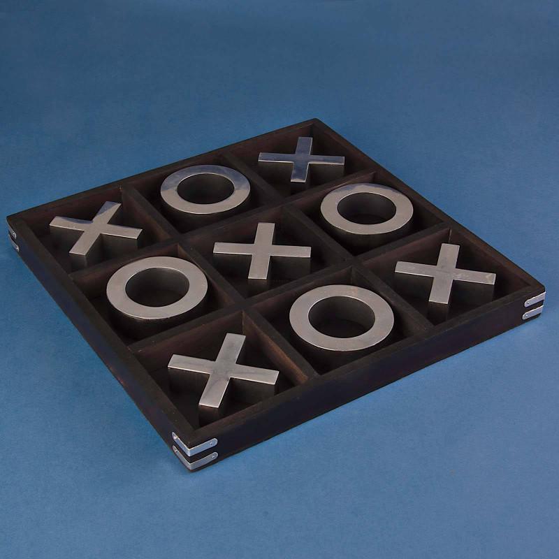 Tic Tac Toe Negro / Silver con base de madera Haus