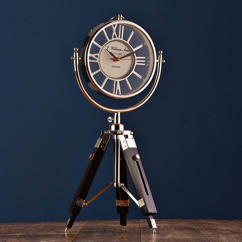 Reloj con trípode para escritorio Haus