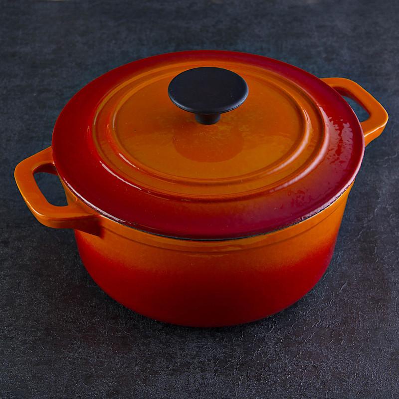 Olla cacerola para inducción de hierro fundido enlozado Naranja Francés Chef en Casa