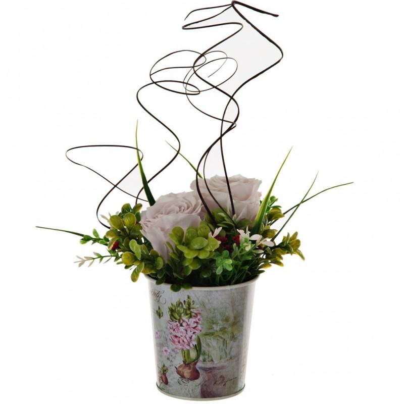 Arreglo floral eternizado blanco con balde vintage